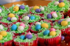 Free Easter Cupcakes With Malted Chocolate Eggs Royalty Free Stock Images - 69049739