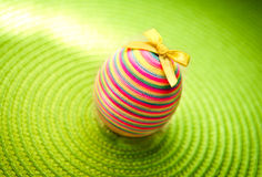 Easter decorastion egg  on green background Stock Photography