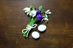 Easter decoration with flowers and easter eggs royalty free stock photos