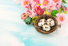 Easter decoration with flowers and eggs Royalty Free Stock Photos