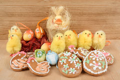 Easter decoration, ginger bread, chicken and painted eggs Royalty Free Stock Photos