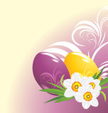 Easter eggs and bouquet of daffodils Royalty Free Stock Photos