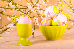 Easter eggs in the bowl Royalty Free Stock Photos