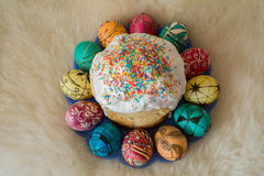 Easter eggs and cake Royalty Free Stock Images