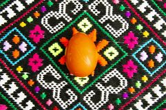 Easter eggs on the Ukrainian towel royalty free stock images