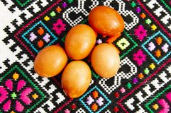 Easter eggs on the Ukrainian towel royalty free stock photography