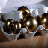 Easter feliz Decoração dos ovos da páscoa e do Easter Imagens de Stock Royalty Free