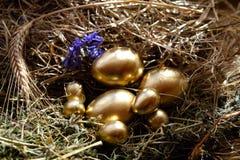 Easter feliz Decoração dos ovos da páscoa e do Easter Foto de Stock