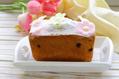 Easter festive fruitcake with flowers Royalty Free Stock Photos