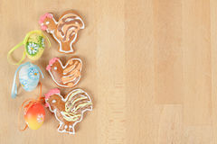Easter ginger breads and painted egg Royalty Free Stock Images