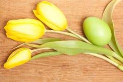 easter jajka trzy tulipany Obrazy Stock