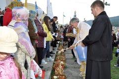 Easter, paroquianos da igreja ortodoxa Imagem de Stock Royalty Free
