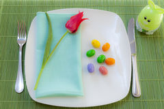 Easter place setting with spring flowers Royalty Free Stock Images