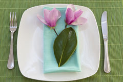 Easter place setting with spring flowers Royalty Free Stock Image