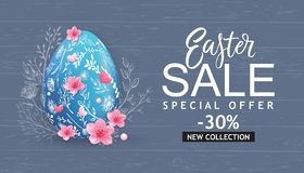 Easter Sale banner, card with hand drawn flowers, eggs on wood background. Royalty Free Stock Photos