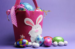 Pink and purple Easter egg hunt Royalty Free Stock Photos