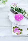 Easter table setting, plate with eggs Royalty Free Stock Photos