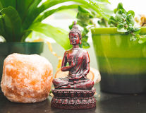 Eastern and worldly decorations on a shelf Stock Photography