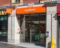 Easyhotel lätt hotell i Leeds arkivbild