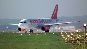 EasyJet - αεροπλάνο στο διάδρομο Στοκ Εικόνες