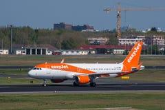 Easyjet Airbus A320 à l'aéroport de Berlin Tegel Images libres de droits