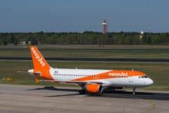Easyjet Airbus A319 à l'aéroport de Berlin Tegel Image libre de droits
