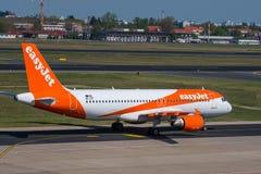 Easyjet Airbus A320 à l'aéroport de Berlin Tegel Photographie stock
