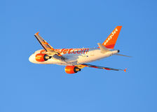 Easyjet Airbus A319 COMMERCIAL AIRLINER Stock Photos