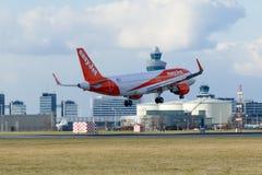 Easyjet Airbus A319 en Schiphol Foto de archivo libre de regalías