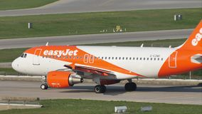 EasyJet Airbus A320-200 G-EZWC