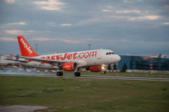 EasyJet Airbus A-319. Landing at Prague Airport Royalty Free Stock Images