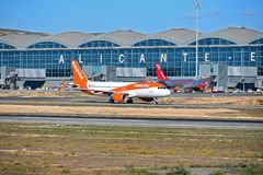 Easyjet en un aeropuerto ocupado Foto de archivo libre de regalías