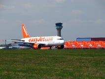 Easyjet et tour de contrôle Photo libre de droits