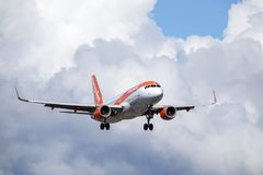 Easyjet, Luchtbus A320 - 214 stock foto