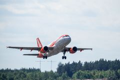 Easyjet, Luchtbus A319 - start 111 stock afbeelding