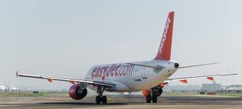 Easyjet A320 na pasie startowym Fotografia Stock
