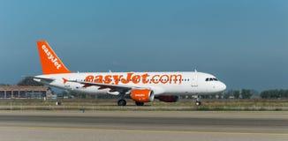 Easyjet A320 op de baan Stock Foto's