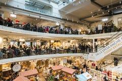 Eataly цепной супермаркет продавая все продукты связанные к итальянской гастрономии Этот супермаркет расположен в милане Стоковые Фото
