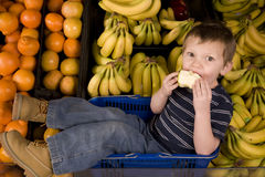 Eating apple banana Royalty Free Stock Photography