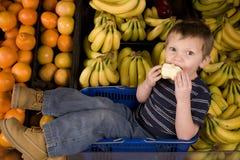 Eating apple banana Royalty Free Stock Photography