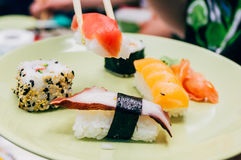 Eating sushi Royalty Free Stock Photography