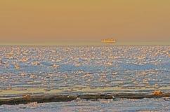 Eau de mer congelée en glace Photographie stock libre de droits