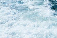 Eau de mer de barattage Images stock