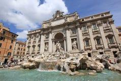Eau de source romantique en Italie photographie stock libre de droits