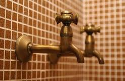 eau du robinet photos libres de droits