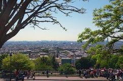 Eautiful widok miasto od Sacre Coeur bazyliki w wiosna dniu Ogólny widok miasto od wzgórza Montmartre obrazy stock