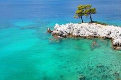 Eaux de mer de turquoise autour de Rocky Cape Photo libre de droits