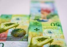 Eben fünfzig Rechnungen des Schweizer Franken Lizenzfreie Stockbilder