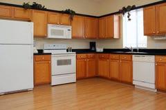 Eben fertige Küche Stockbilder