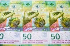 Eben Rechnungen 50 Schweizer Franken Stockbild